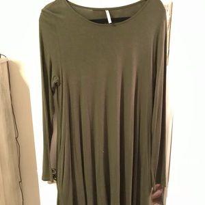 Long sleeve navy green piko dress